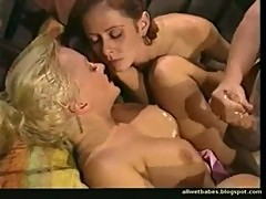 Hot wet ffm threesome