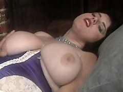 Mega-boobed chick gets pampered by her man