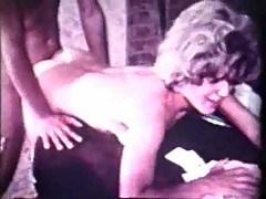 Shagging A Seductive Wife In Vintage Clip